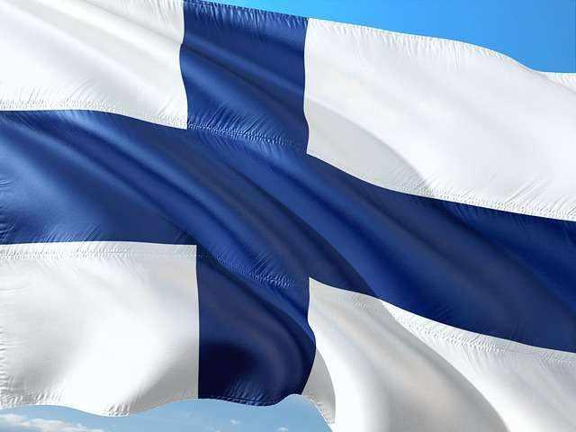 финландци